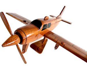 Wood model Beechcraft Bonanza Straight-Tail 1