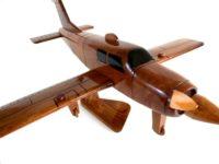 Wood model Beechcraft Bonanza Straight-Tail 3