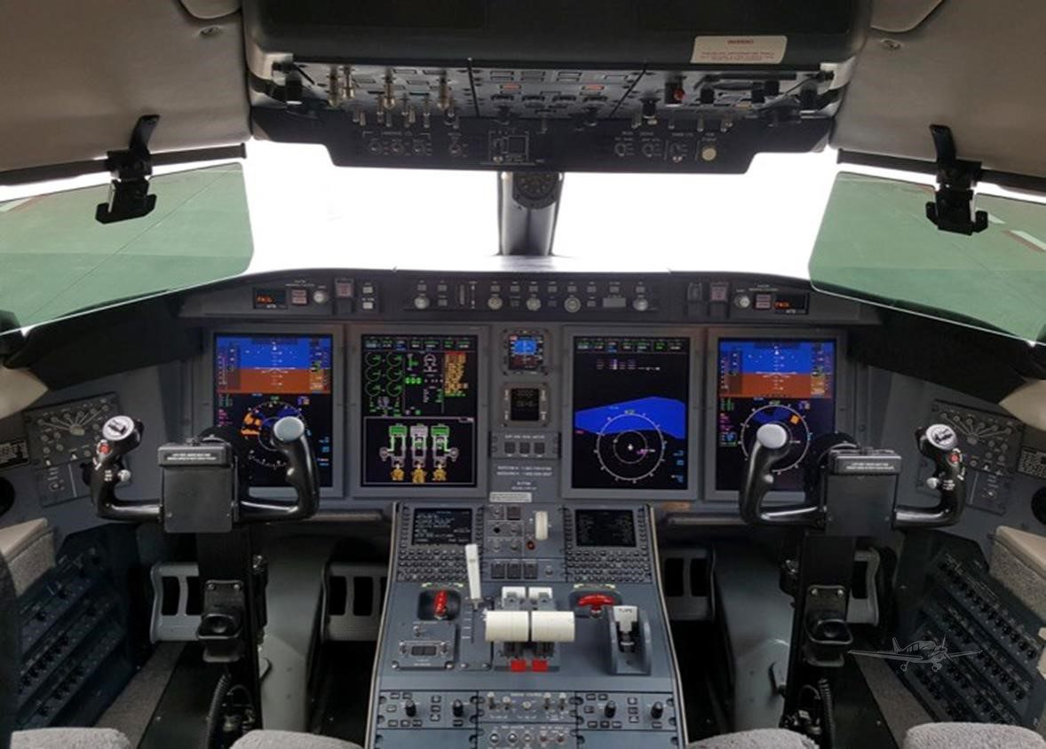 Bomabardier Challenger 605 for Sale 2